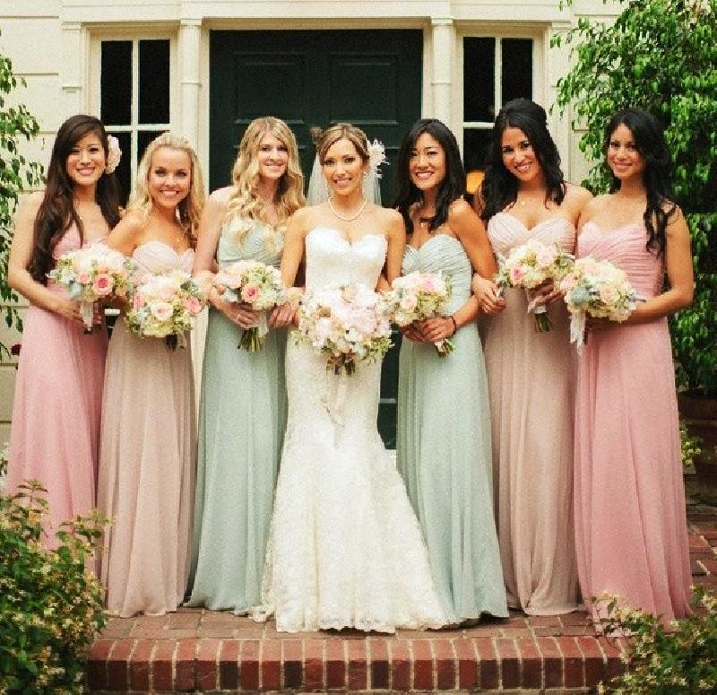 свадебные прически подружек фото
